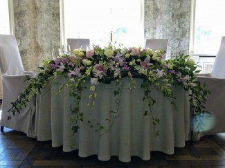 Свадебные цветы и платья. Оформление свадьбы.